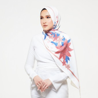 Batik Cake (Shawl) in Cream