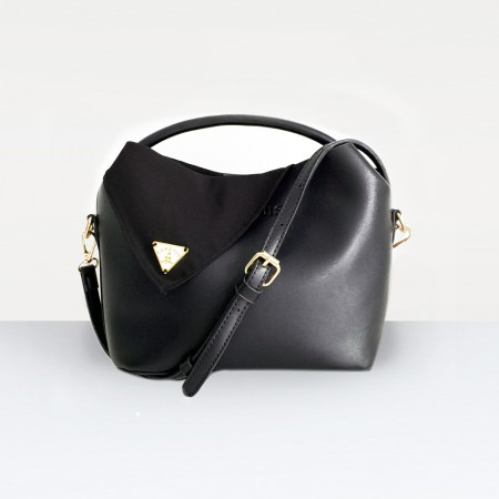 The Alisa Bag in Black
