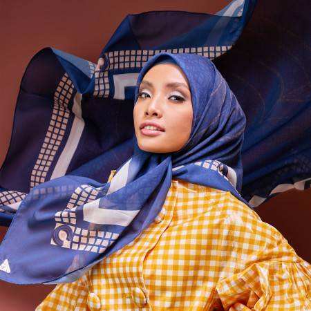 Bawal Entwine Cake in Navy