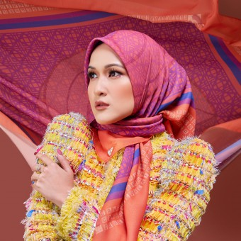 Bawal Entwine Cake in Orange