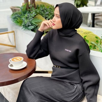 Cakenis Puff Jumper in Black